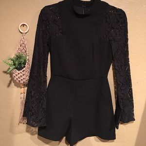 BCBG NWOT Romper with Lace Sleeves✨